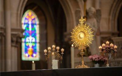 Adoration du Saint Sacrement au Mans et aux alentours
