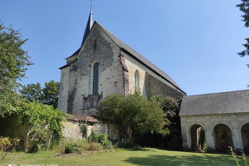 prise de vue de la chapelle et du cloître