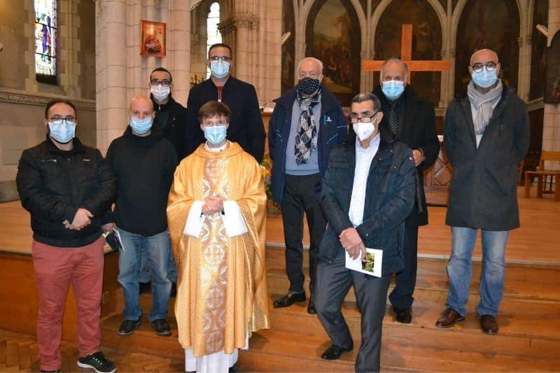autour du père Gautier Terral les représentants musulmans